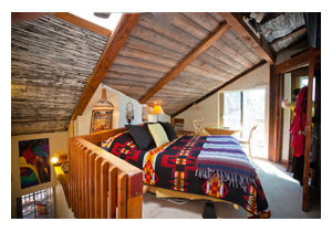 Bed breakfast lodging accommodations in sedona az for Indian bear lodge cabins